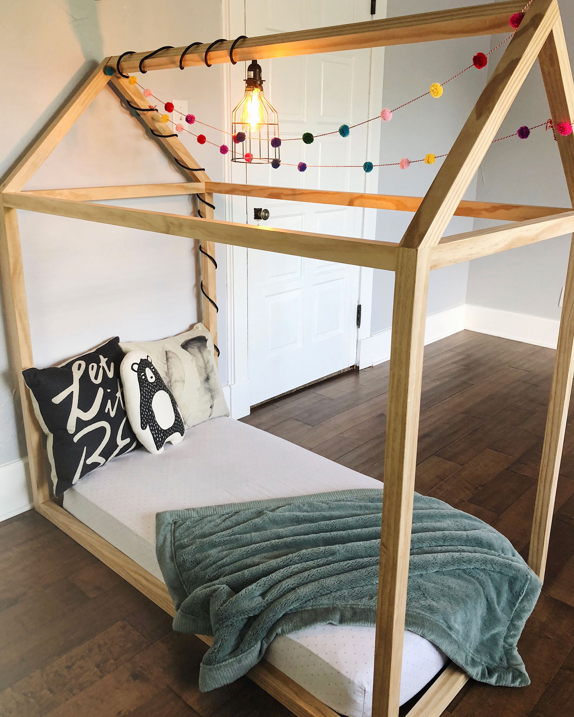 DIY Toddler House Bed - The Okie Home